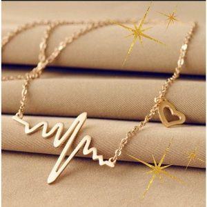 Jewelry - RESTOCKED 🌷Heart Beat Necklace